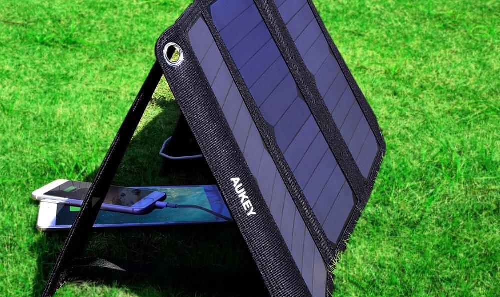 USB Solar Ladegerät & Steckdosenleiste - Neu von Aukey 1