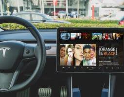 Netflix im Tesla